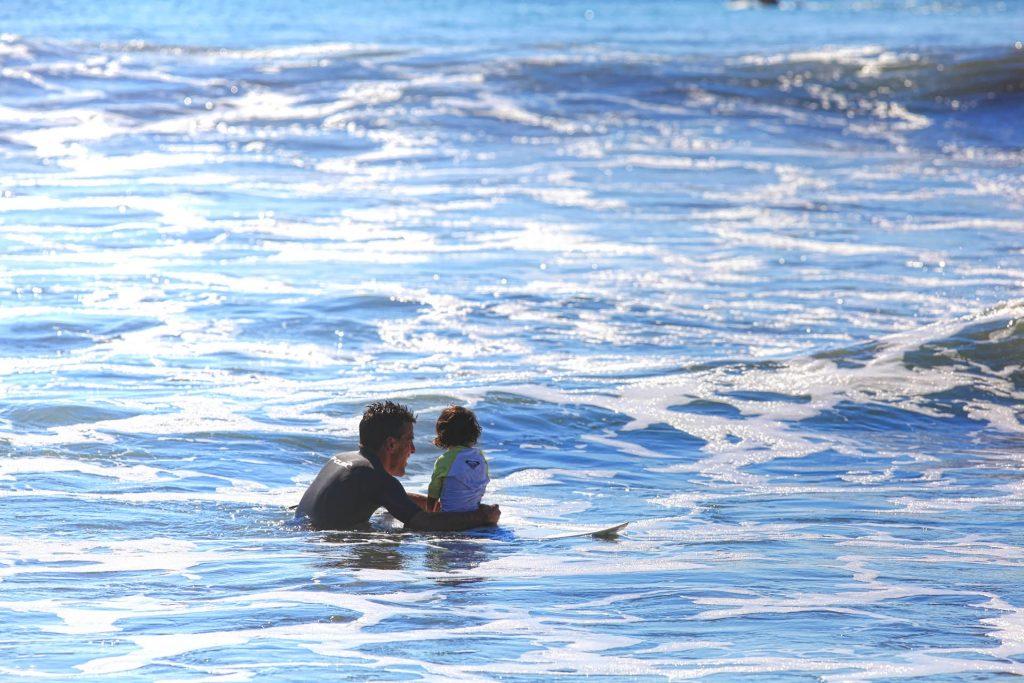 Jeff_Marisol_surfing