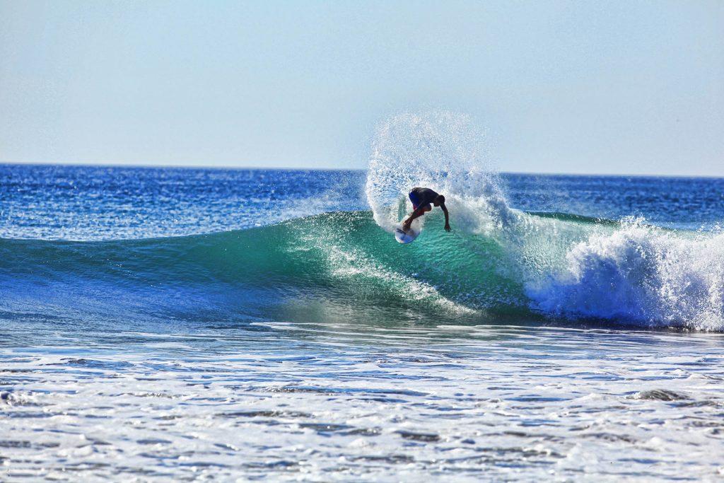 Jeff_surfing2